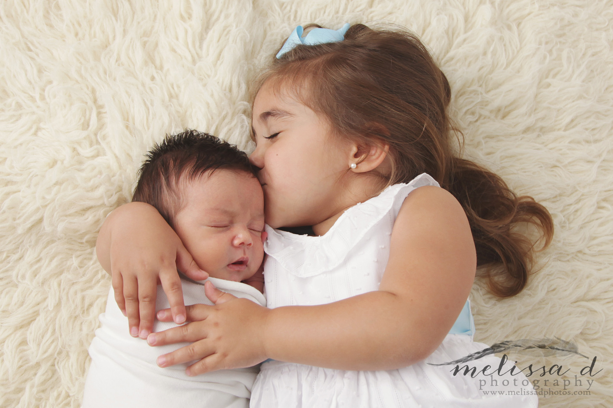 Fort Worth Newborn Photographer sibling pose