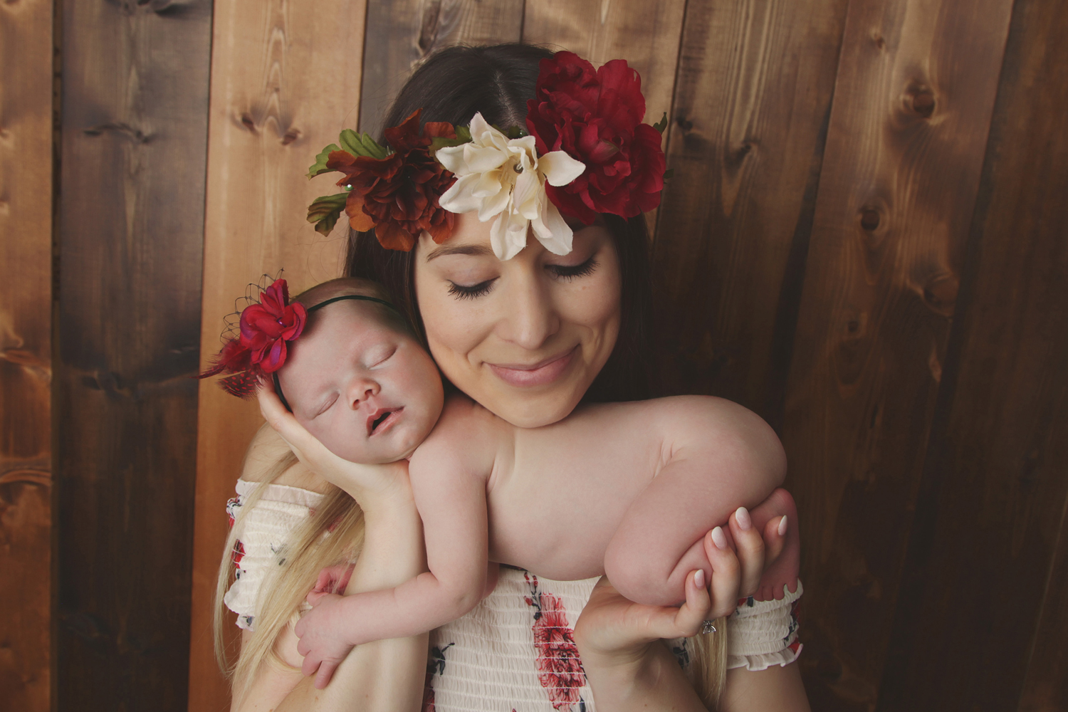 Fort Worth Newborn Photographer with mom