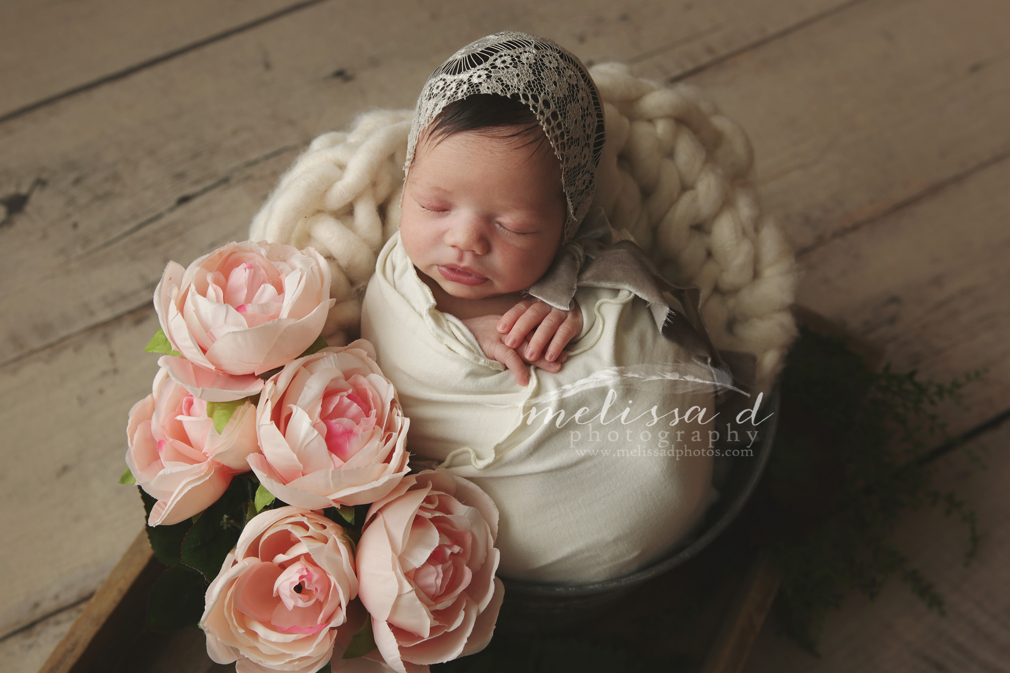 Dallas/Fort Worth Newborn Photographer flowers lace bonnet